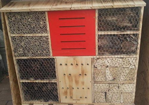 insektenhotel kaufen hier sind die top insektenhotels. Black Bedroom Furniture Sets. Home Design Ideas